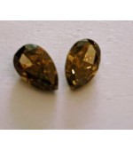 Brown Diamond Shapes Couple
