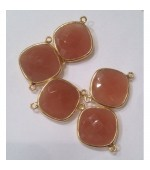 Gold plated Cushion pink moonstone fasct